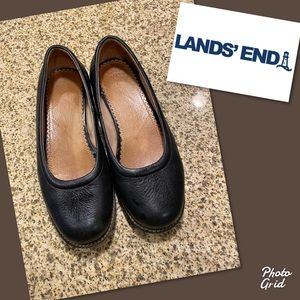 Woman's black leather Lands End shoes flats 7D